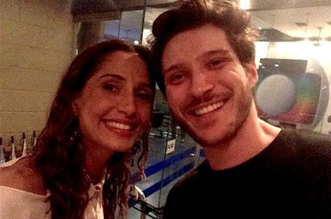Camila Pitanga posa com o ator de Mauricio Pitanga (Foto: Candé Salles)