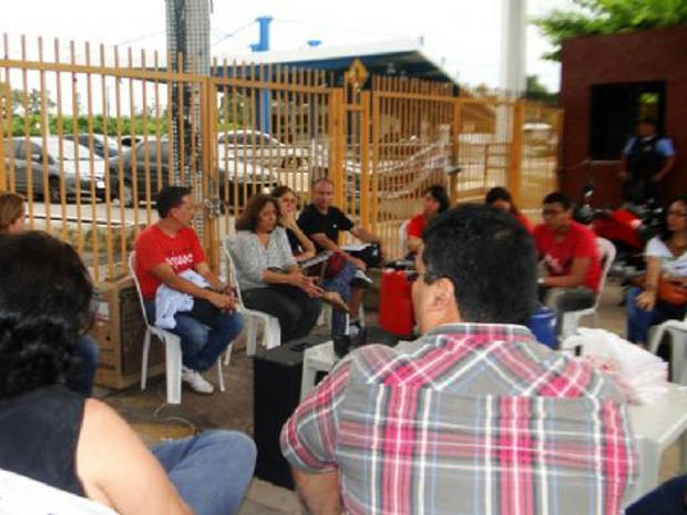 Docentes reúnem-se nesta quinta (10) para tratar sobre as pautas de reivindicações. (Foto: Divulgação/Adufpa)
