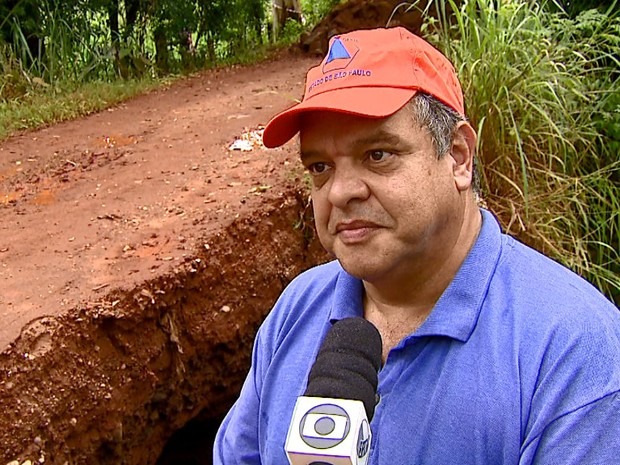 Coordenador da Defesa Civil de São Carlos, Pedro Caballero (Foto: Ely Venâncio/EPTV)