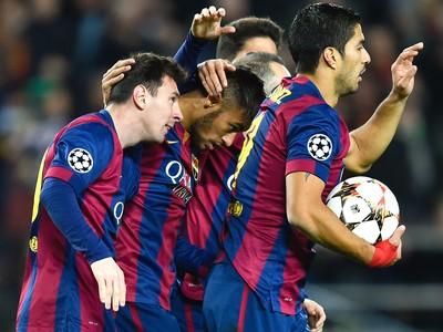 Messi, Neymar e Suarez, Comemoração do Barcelona contra o Sporting (Foto: Getty Images)