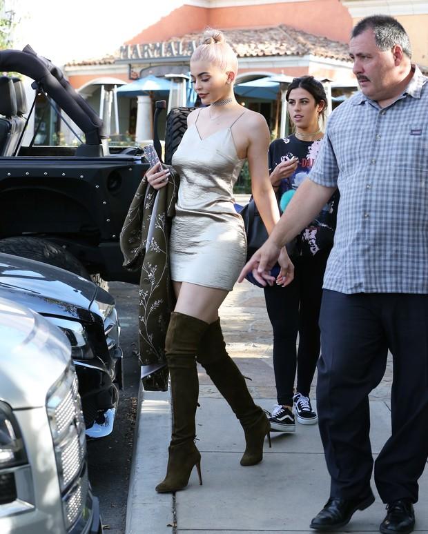 X17 – Kylie Jenner em Los Angeles, nos Estados Unidos (Foto: X17online/ Agência)