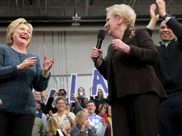 Fala de Albright (à dir.) visava conclamar as feministas a votar em Hillary, mas gerou polêmica  (Foto: Reuters/Brian Snyder)
