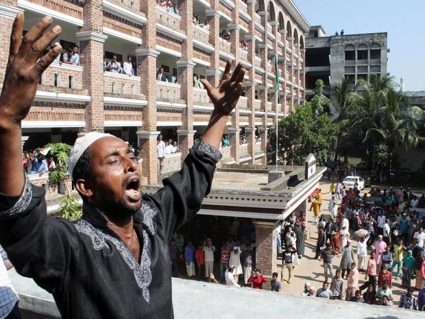 Pai de Samiul Rajon reage à condenação de supostos assassinos de seu filho (Foto: AFP)