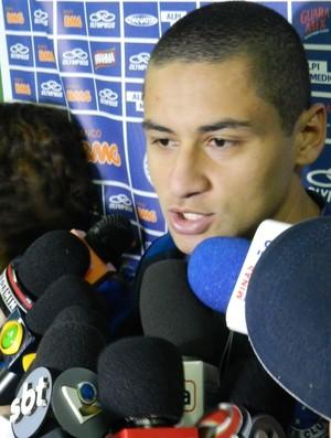 Cruzeiro-MG e Atlético-GO, Uberlândia, Welington Paulista (Foto: Felipe Santos/GLOBOESPORTE.COM)