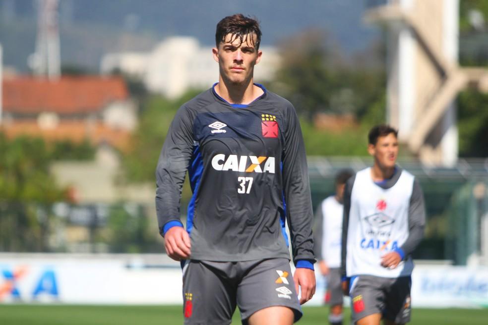 Bruno Paulista durante treino em São Januário (Foto: Paulo Fernandes / Vasco)