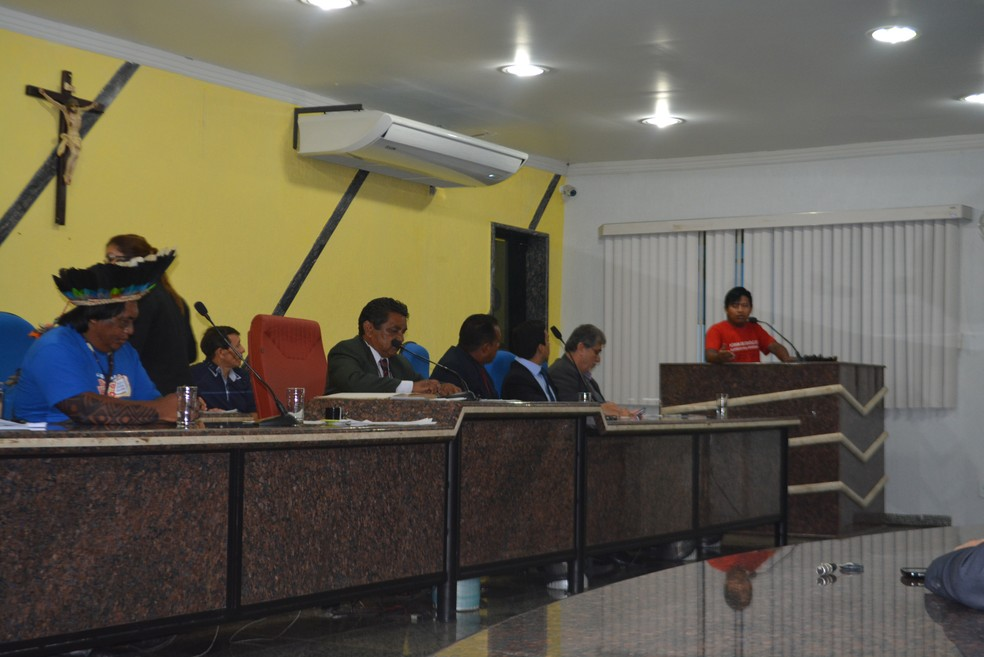 Audiência pública discutiu dificuldades enfrentadas pelas comunidades indígenas em Porto Velho (Foto: Toni Francis/G1)