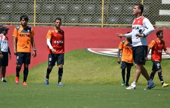 Em treino de 2h30, Vagner Mancini comanda atividade tática no Barradão