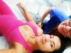 Priscila Pires posa decotada de macacão justinho: 'Dia da beleza'