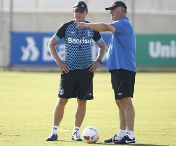 Felipão e auxiliar Ivo Wortmann Grêmio (Foto: Lucas Uebel/Grêmio)