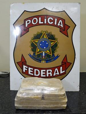 Polícia Federal apreendeu quatro quilos de crack, em Igarassu. (Foto: Divulgação/ Polícia Federal)