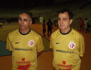 Udenis Oliveira e Arturzinho comandam a equipe de futsal do América-RN (Foto: Jocaff Souza)