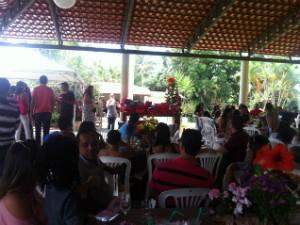 Confraternização reuniu funcionários de vários setores da Inter TV Grande Minas (Foto: Adriana Lisboa)