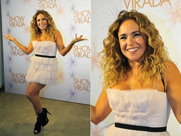 Com vestido curto, Daniella Mercury mostrou suas belas pernas (Foto: Reinaldo Marques/TV Globo)