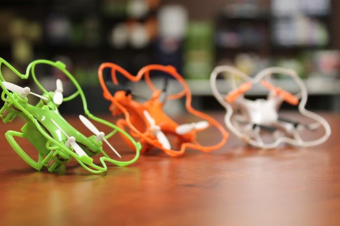 Nano Drone está disponível nas cores laranja, verde e branco (Foto: Divulgação/Indiegogo)