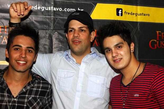Gustavo, Sorocaba e Luan Santana em casa de shows em São Paulo (Foto: Paduardo/ Ag. News)