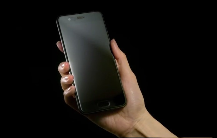Smartphones tem câmeras Leica e carregamento super-rápido (Foto: Divulgação/Huawei)