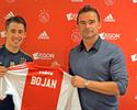 Bojan é apresentado no Ajax: 'Jogar a Champions será ainda mais bonito'