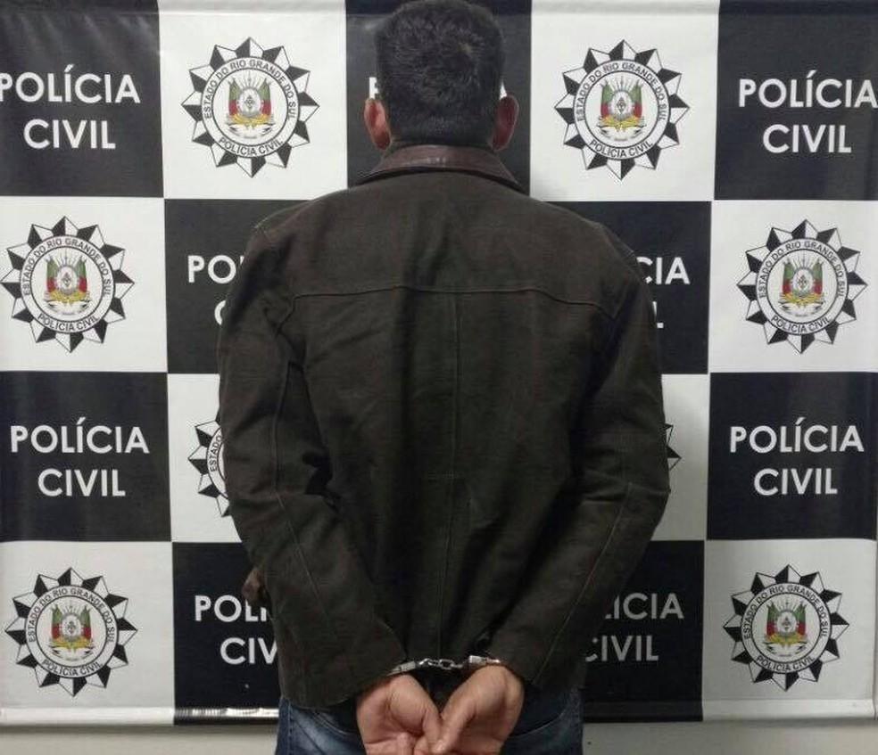 Homem foi preso após exigir R$ 20 mil para não divulgar vídeo íntimo (Foto: Divulgação/Polícia Civil)