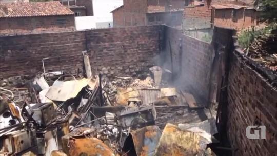 Incêndio destrói depósito de material reciclável em Caruaru, Agreste de PE
