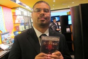 Rafael dos Santos Silva, 24 anos, tirou férias para poder jogar 'Diablo III' direto por 15 dias (Foto: Gustavo Petró/G1)