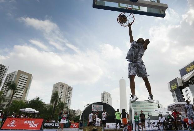 Modalidade esportiva urbana vem conquistando adeptos e se espalhado rapidamente por todos os cantos da capital paulista (Foto: Divulgação/ Globo)