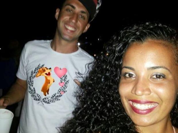 Casal postou foto durante a virada na Praia do Sonho (Foto: Arquivo Pessoal)