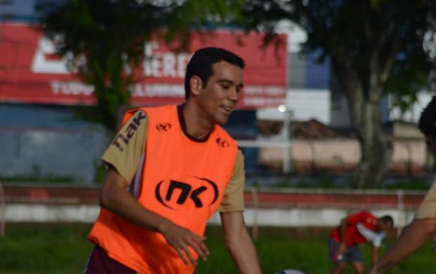 Cláudio Baiano alerta para dificuldades em Juazeiro (Foto: Felipe Martins)