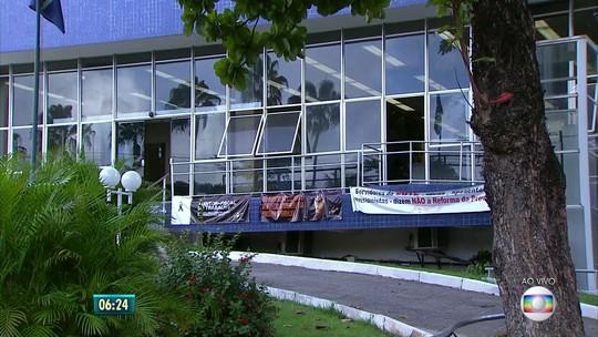 Atendimento volta ao normal na sede da Superintendência Regional do Trabalho, no Recife
