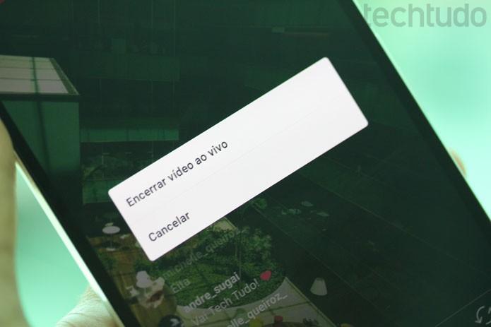 O Instagram vai perguntar se você deseja mesmo encerrar o seu vídeo ao vivo (Foto: Melissa Cruz / TechTudo)