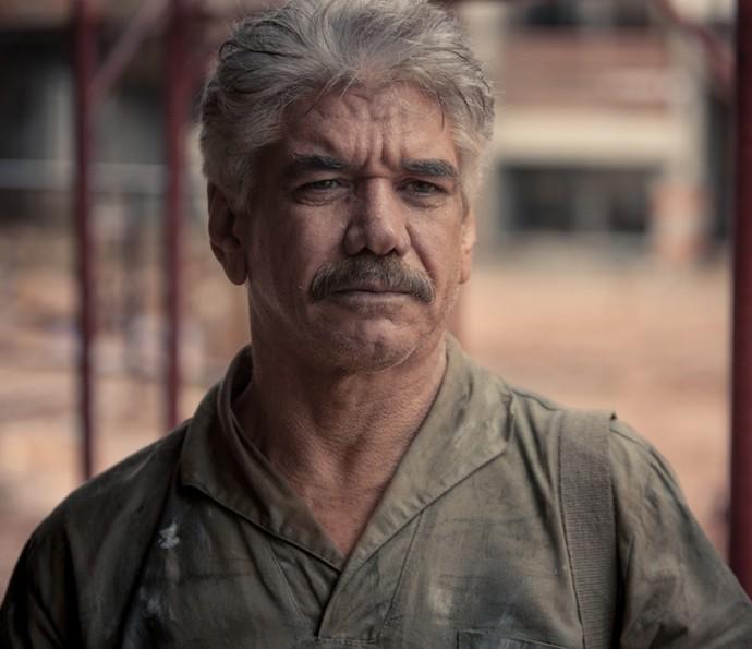 Jackson Antunes vive José, o pai de Aldo na minissérie (Foto: Globo Filmes/  Reprodução)