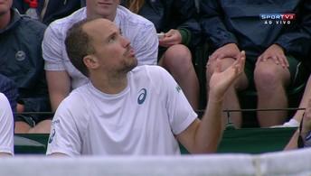 Árbitra de jogo entre Bruno Soares/Jamie  Murray, e Pavic/Venus discute com tenistas