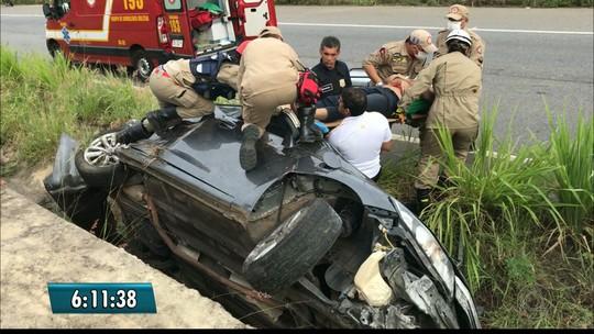 Homem fica ferido após capotar carro na BR-101, no Litoral Norte da Paraíba