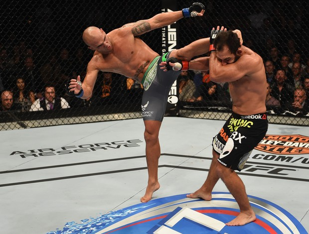 Johny Hendricks x Robbie Lawler, UFC 181 (Foto: Getty Images)