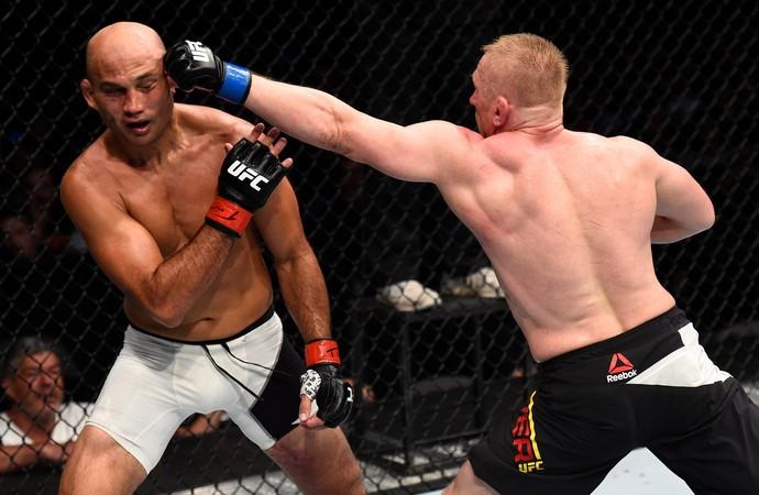 BJ Penn x Dennis Siver UFC Oklahoma (Foto: Getty Images)