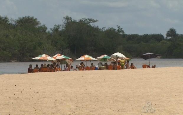 Em Roraima o número de banhistas aumenta durante o verão (Foto: Bom Dia Amazônia)