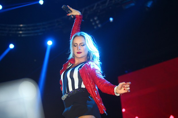 Claudia Leitte faz show em São Paulo (Foto: Iwi Onodera/ EGO)