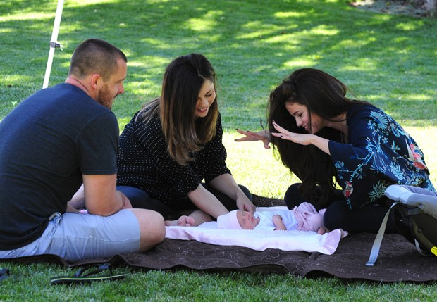 Brian, Mandy, Selena Gomez e Gracie (Foto: Grosby Group)
