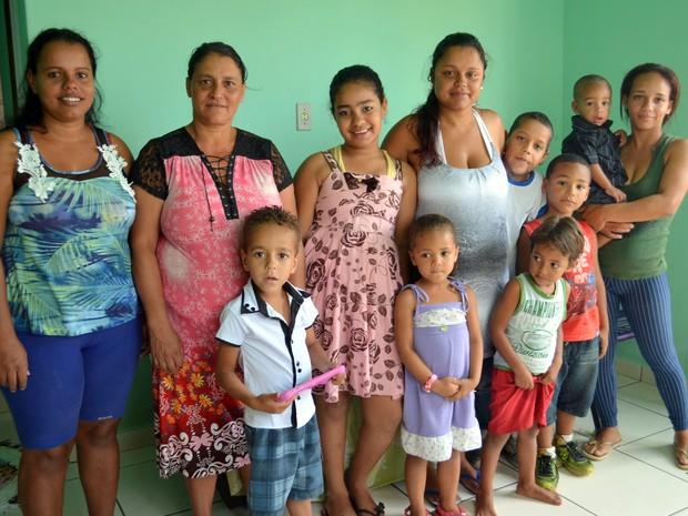 Tia, avó, primos e amigos de Gustavo ressaltaram a força do garoto durante o tratamento (Foto: Stefhanie Piovezan/G1)