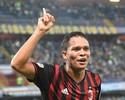 Bacca sai do banco, marca no fim, e Milan volta a vencer no Italiano