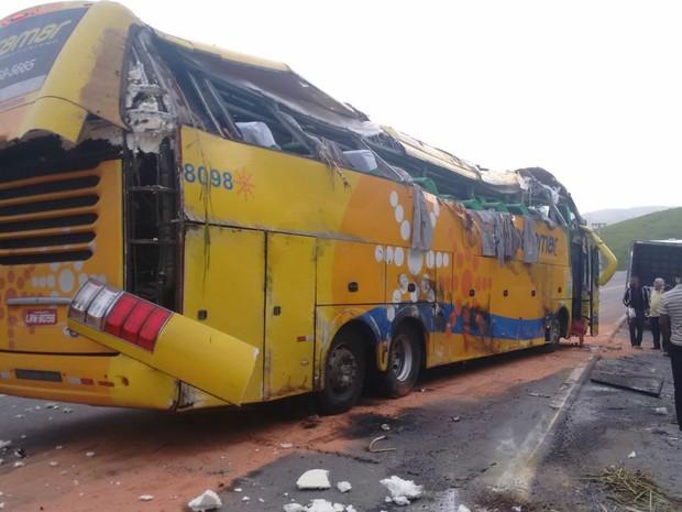 Ônibus estava voltava de excursão no estado de Santa Catarina (Foto: Luiz Antônio Santos Silva/Arquivo Pessoal)