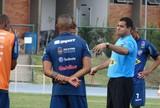 Tupi-MG e Atlético-PR se enfrentam em jogo que pode ter estreia de Walter