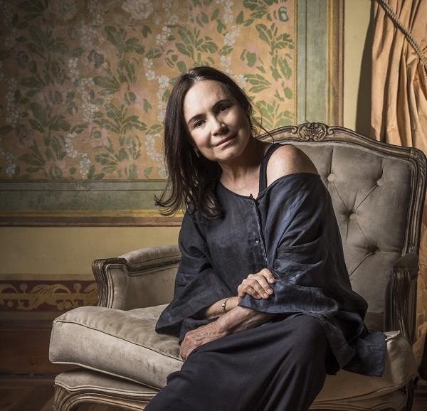 Regina Duarte conta que se inspirou em Cher para viver papel na novela das 6:  (Foto: TV Globo/ João Miguel Junior )