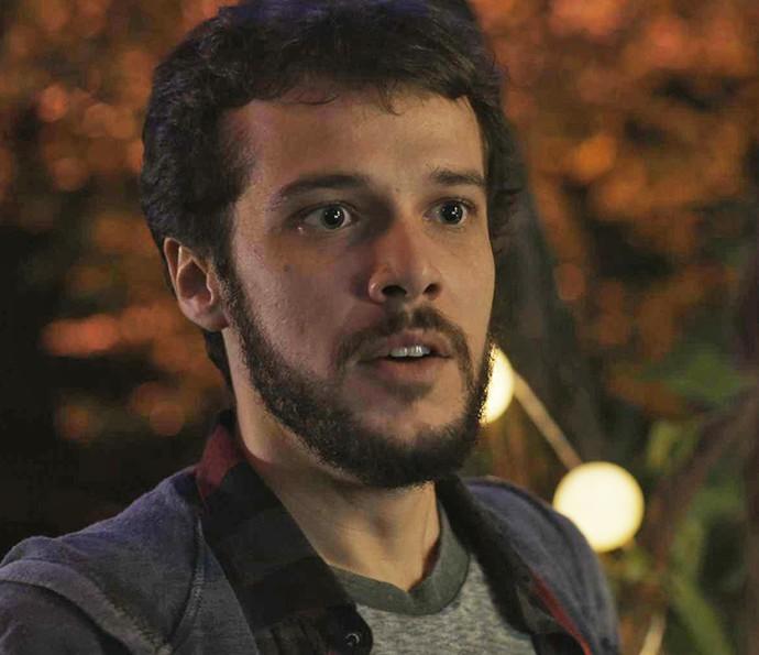 Giovanni recebe sua primeira tarefa no emprego novo (Foto: TV Globo)