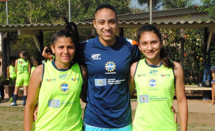 Gabi Ceará, Letícia e Letícia Santos, São José Futebol Feminino  (Foto: Thiago Fadini/GloboEsporte.com)