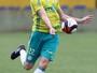 Exemplo em rodízio, Fabiano vê dor de cabeça a Eduardo no Palmeiras