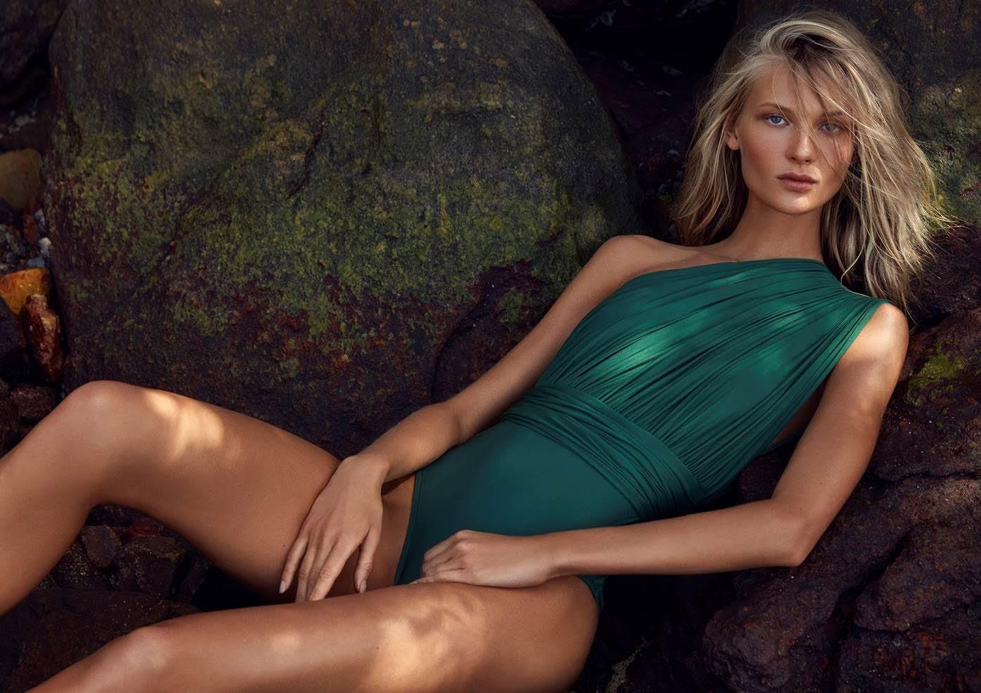 Yana Trufanova veste o beachwear de verão 2018 da Lenny Niemeyer  (Foto: Divulgação)