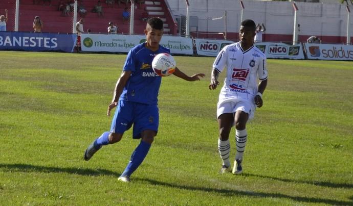 Gugu, atacante do Linhares (Foto: Sidney Magno Novo/GloboEsporte.com)
