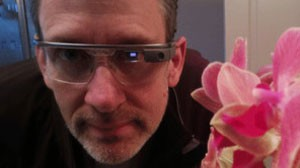 McLaughlin se diz ansioso com as possibilidades abertas pelos óculos (Foto: BBC)