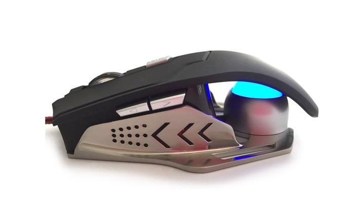 Mouse Gamer Intruder Leadership é projetado com detalhes em LED e tem 2.500 DPI (Foto: Divulgação/Leadership)
