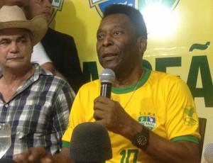 No Tocantins, Pelé fala sobre a seleção convocada por Felipão (Foto: Vilma Nascimento/GloboEsporte.com)